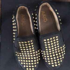 Akid Gold Studded kids shoes
